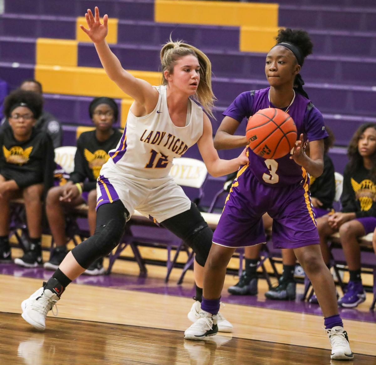 Jeanerette at Doyle girls basketball Elise Jones