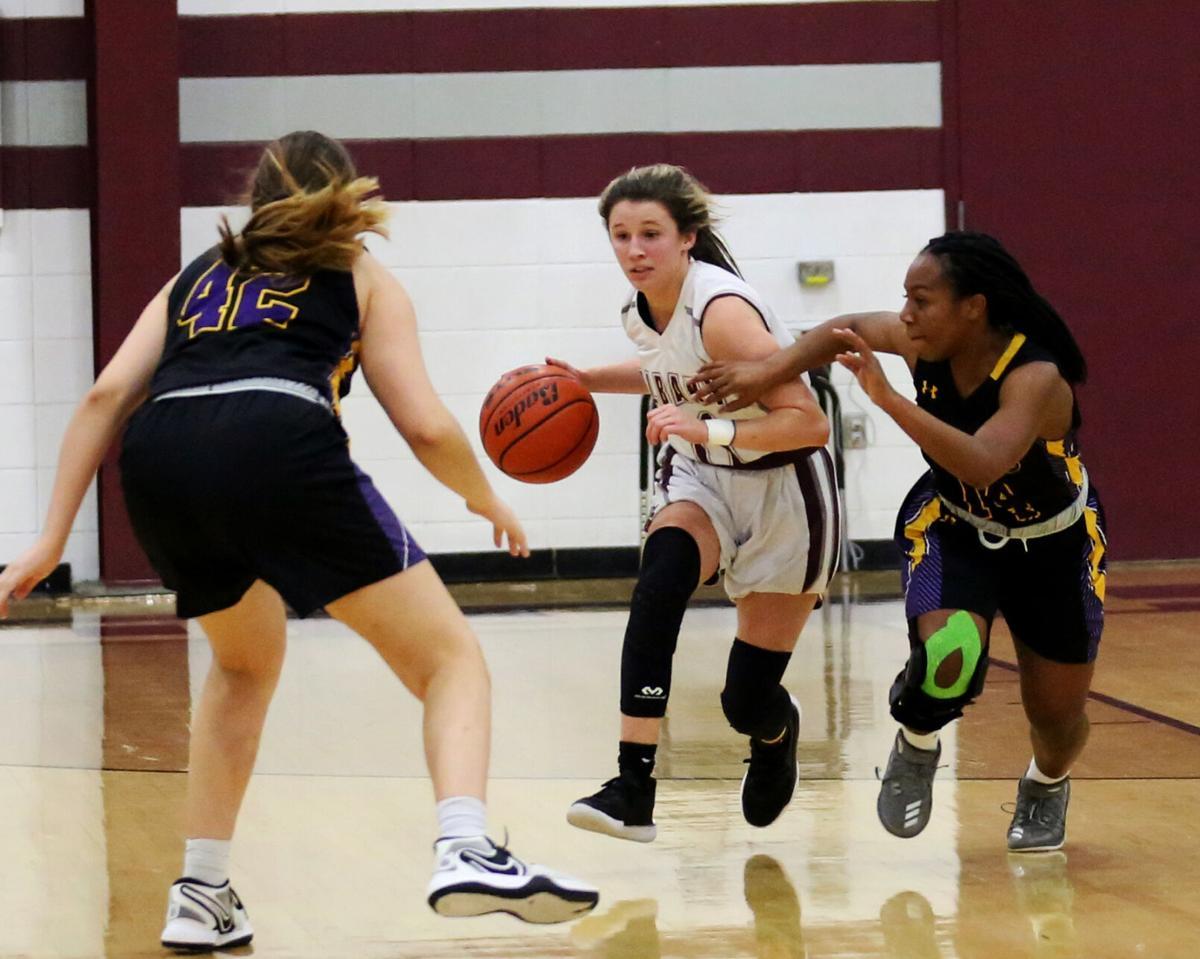 Albany-DSHS girls Haley Meyers, Violett Jackson, Erika McCrystal