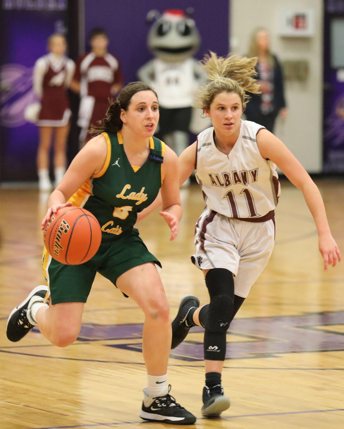 Walker vs. Albany girls basketball - Delaney Anderson, Haley Meyers