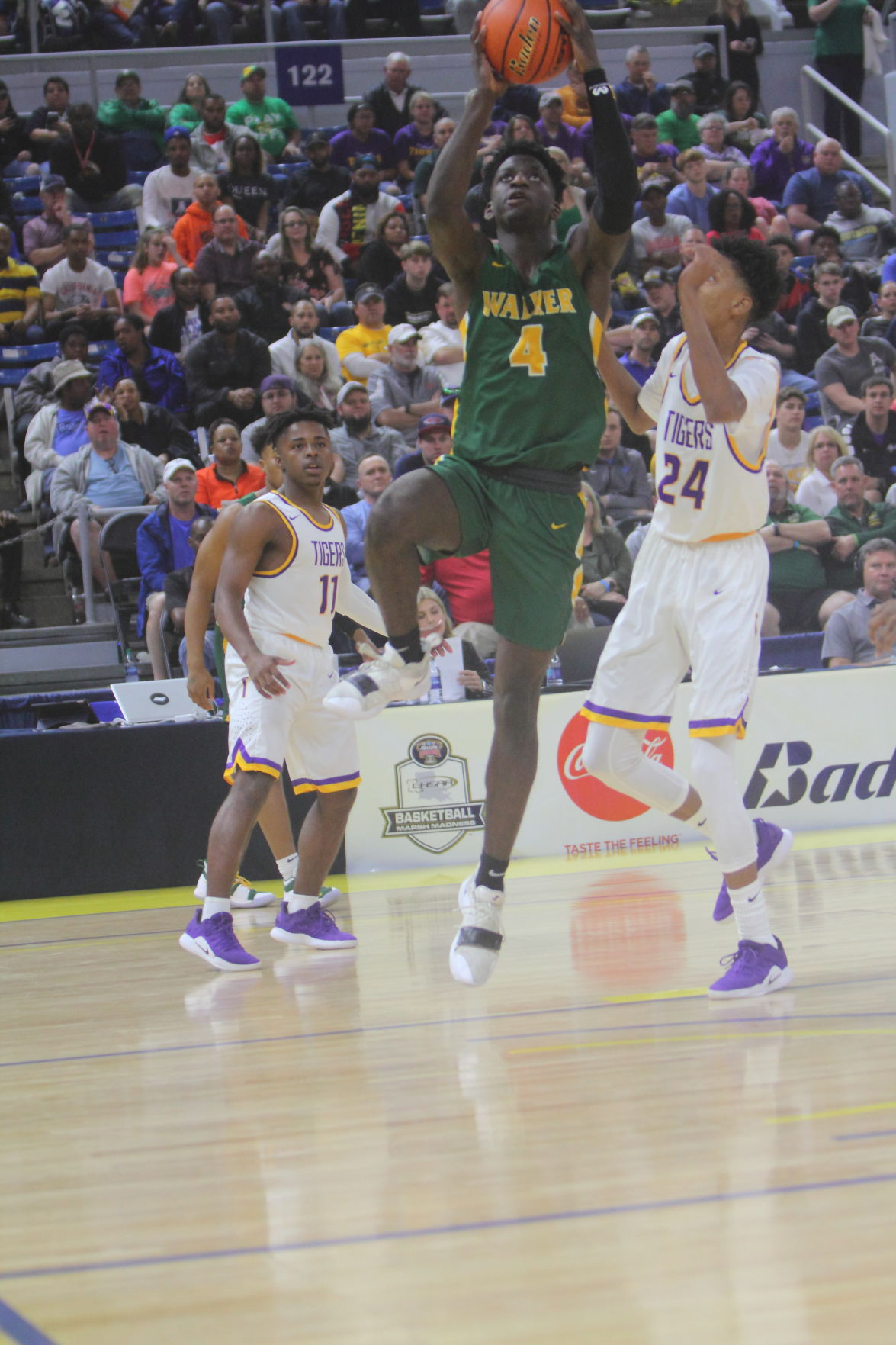 Walker vs Thibodaux boys basketball  Brian Thomas