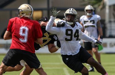 NFL 2019: Saints Training Camp: Cam Jordan rushes Drew Brees