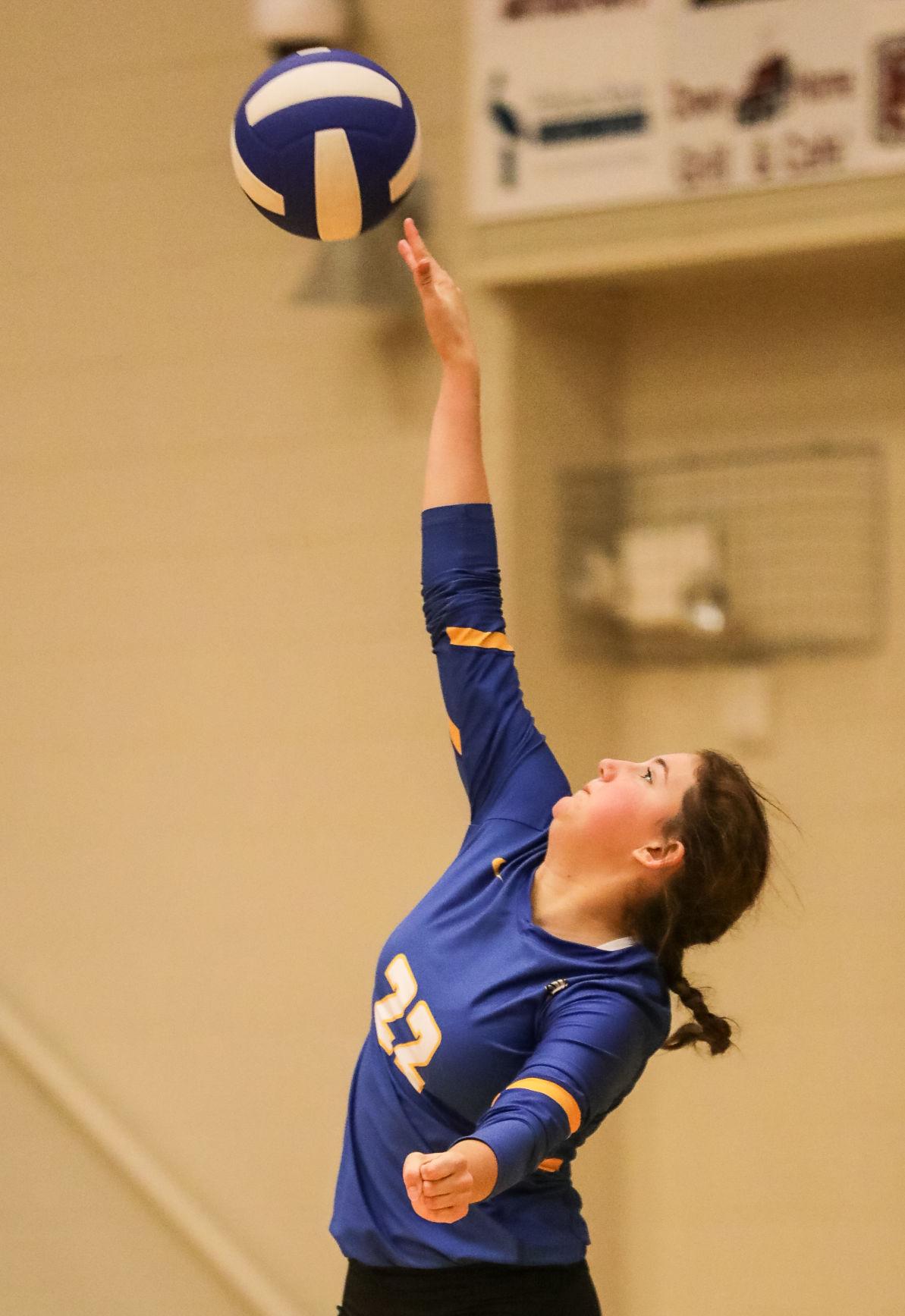 Warren Easton at Live Oak volleyball Sophia Foster