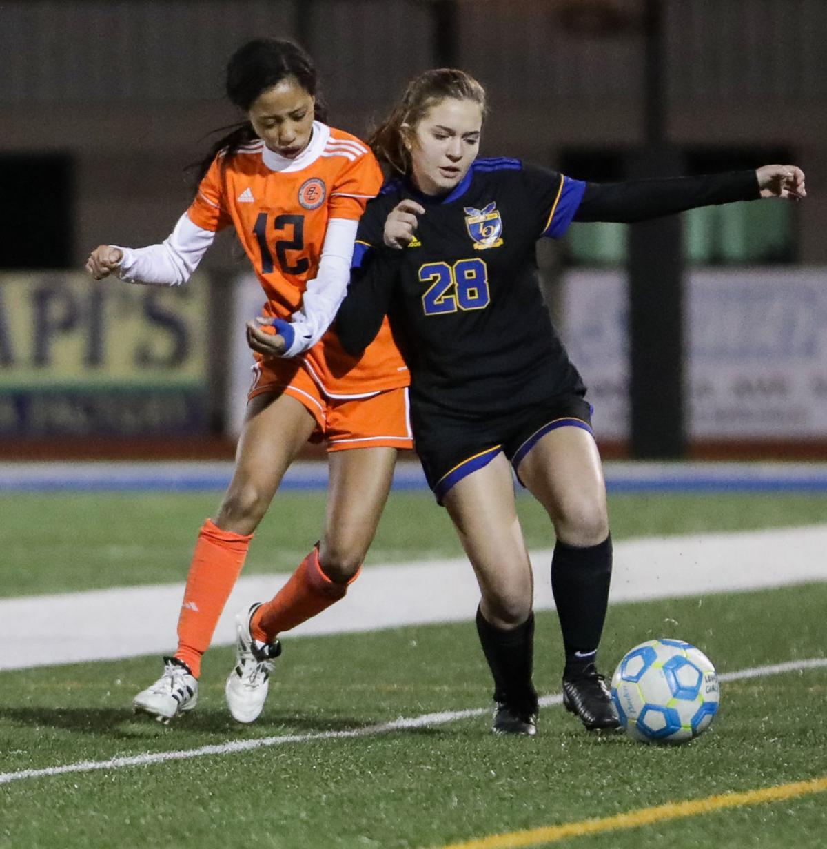Beau Chene at Live Oak girls soccer Ali Tyler Amy Dartez