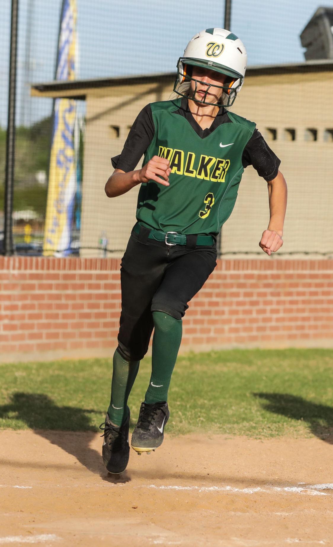 Walker at Live Oak softball Gyvan Hammons