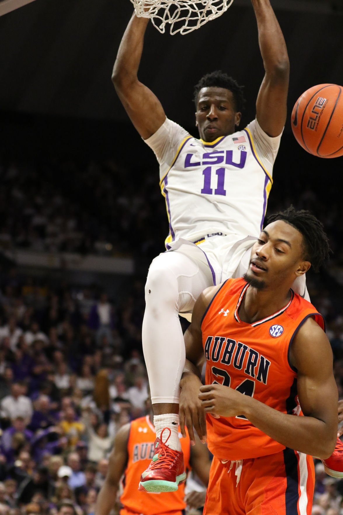 LSU's Kavell Bigby-Williams (11) gets a slam vs. Auburn