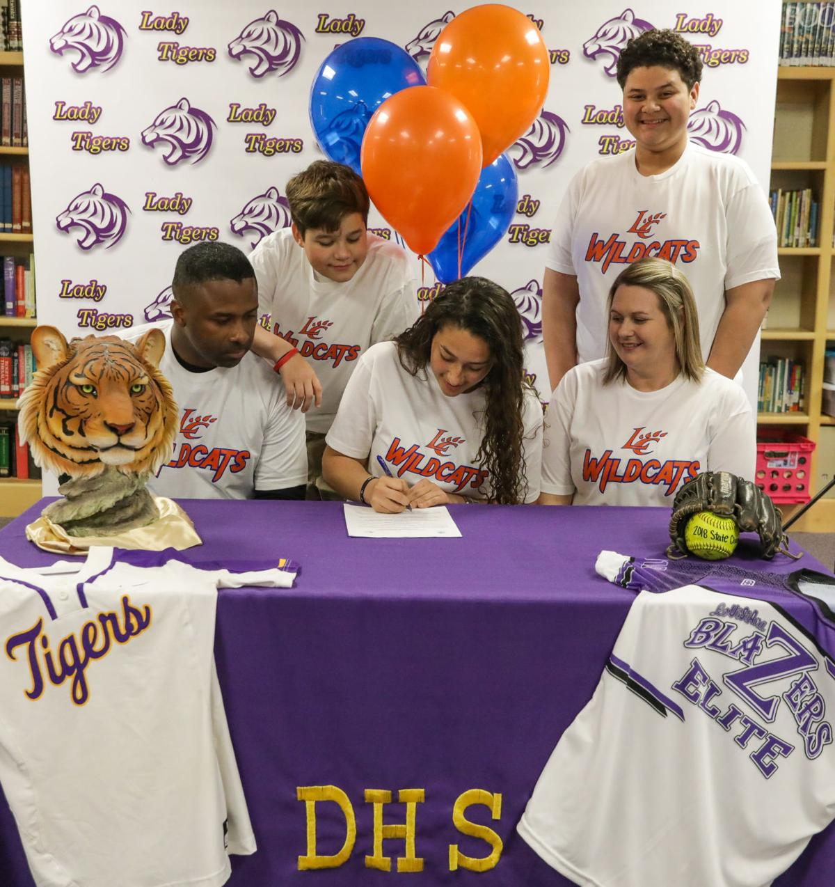 Alissa Ragas signs with Louisiana College signing family