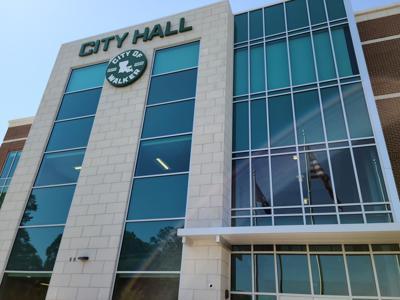 Walker City Hall ribbon cutting