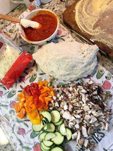 NIAGARA EATS: Savor the fun of homemade 'pizza night'