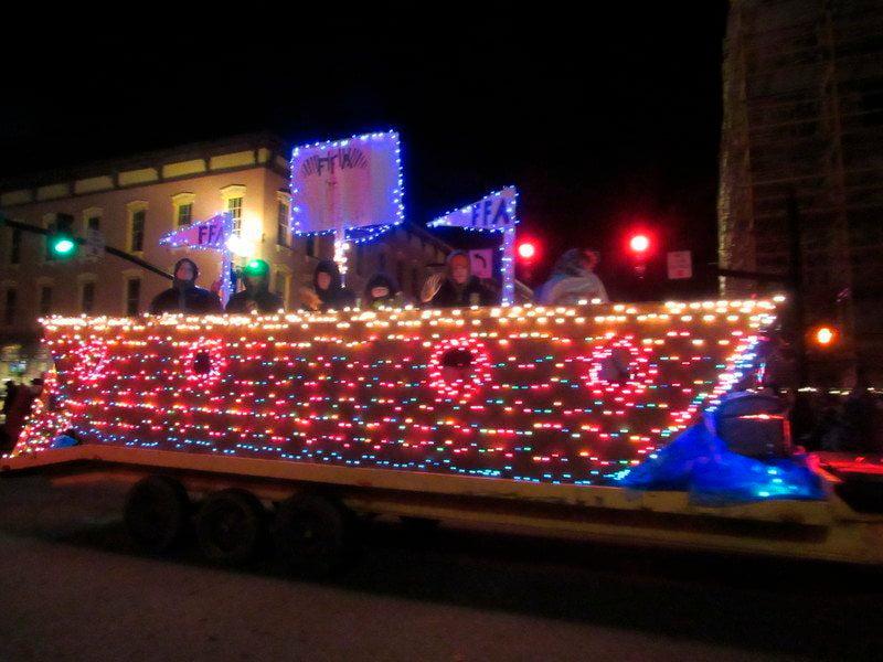 Medina's Parade of Lights helps kick off Christmas season