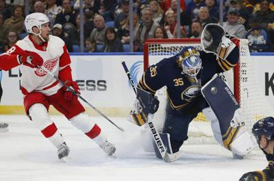 Sabres' power play, Ullmark spark 3-1 win over Red Wings