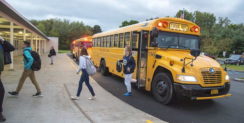 Local educators discuss high school start time pushback idea