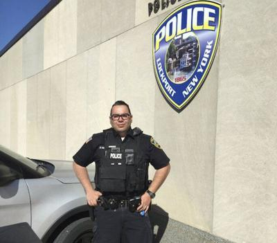 Show of support for Lockport policeofficer