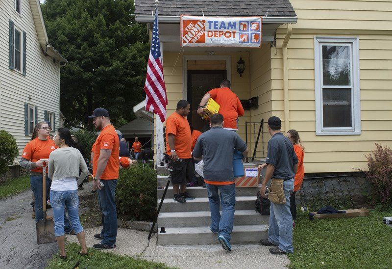 Volunteers Serv Niagara Give Veterans A Home Local News