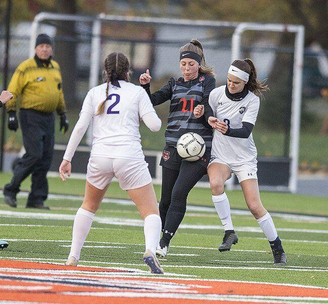 Nadia White, R-H girls soccer upend Wilson for 1st N-O title share