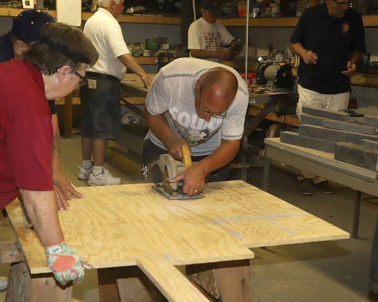 Veterans assist community 'ag'education