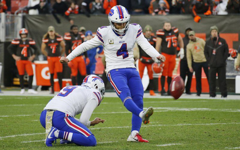 Cleveland holds off punchless Bills, stops losing slide