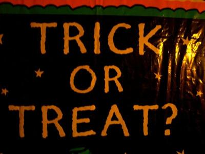 Cuomo says no plan to ban trick-or-treating
