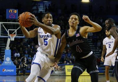 UB's Massinburgsigns NBA deal