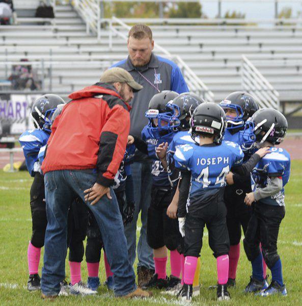 Roy-Hart/Newfane youth gridders tackle cancer
