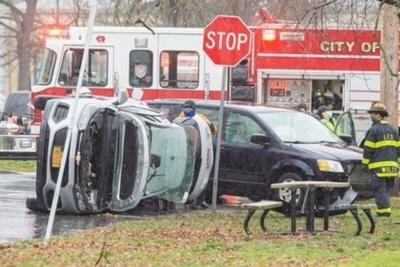 Police respond to rollover accident in Lockport