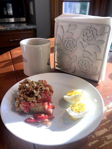 NIAGARA EATS: A tasty and healthy strawberry-rhubarb dish