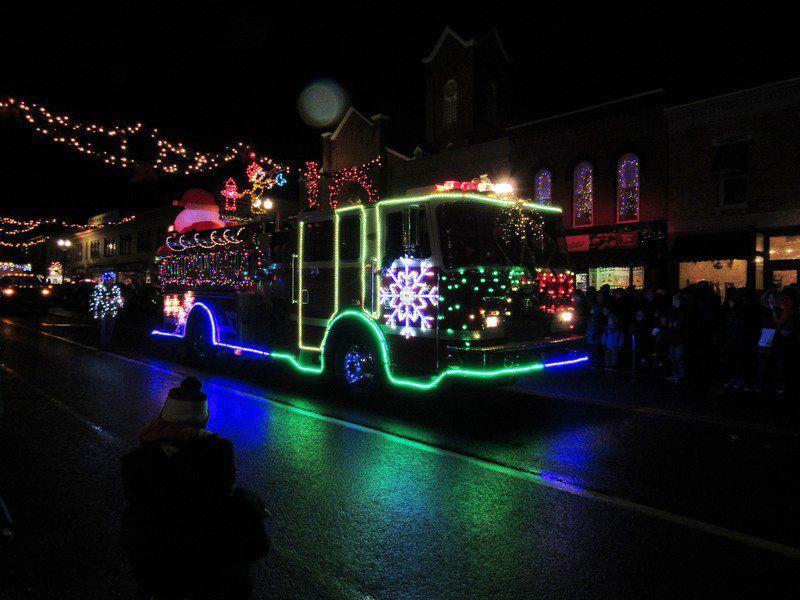 Slideshow Medina S Parade Of Lights Shines Bright Gallery