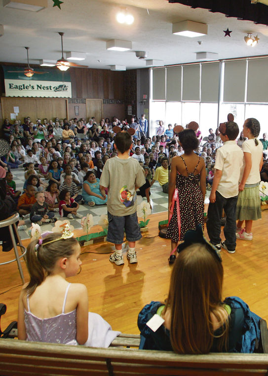 090528 third grade play2