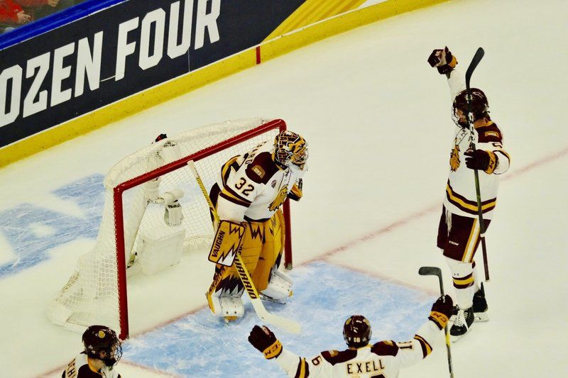 Bryson's Friars fall to Minnesota-Duluth in semifinals