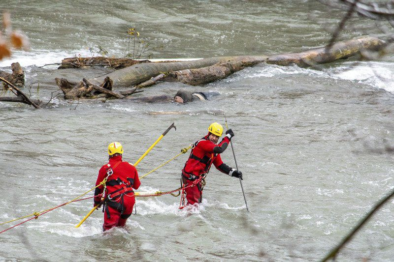 Dramatic rescue above the Falls