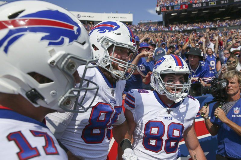 Bills stay unbeaten by rallying back to beat Bengals