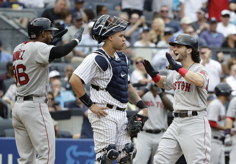 Benintendi's bombs: Outfielder drives in 6 as Sox bounce back from loss