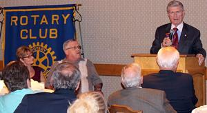 Rotary Clubs host Richard King at dinner