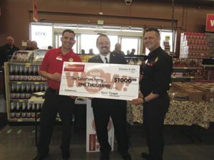 Grocery Outlet holds ribbon-cutting ceremony