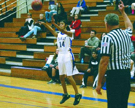 Girls basketball: Despite inconsistent play, Tigers come away with a win over Delta Queens