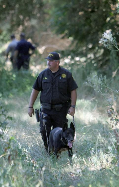 Suspect escapes again