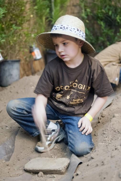 Kids get their hands dirty learning about fossils at World of Wonders