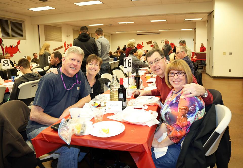LOEL Center Center crab feed