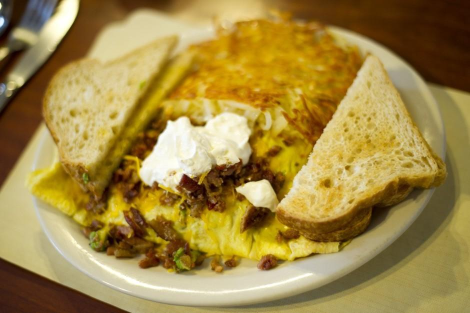Galt eatery offers homey favorites from omelets to steaks