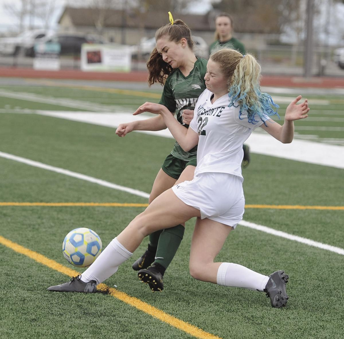 NorCal girls soccer playoffs: Final minutes topple Hawks