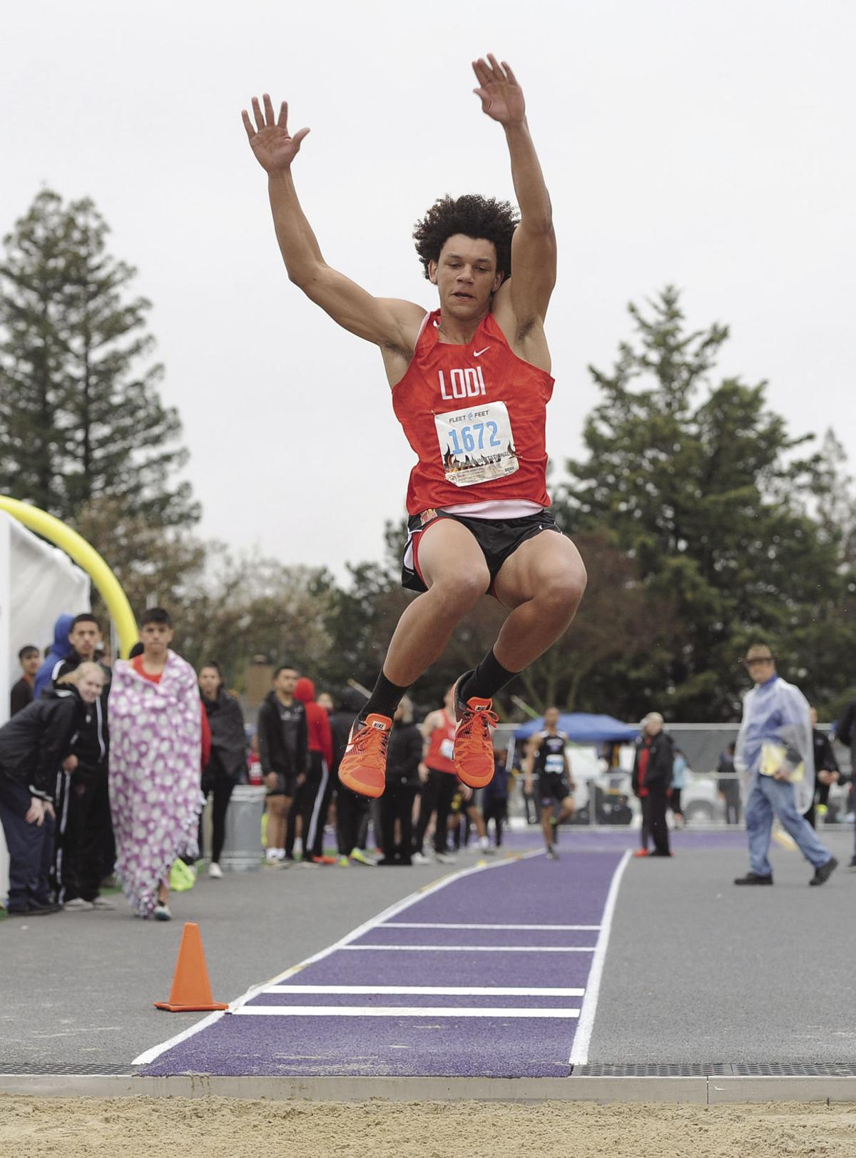 Track and field: Lodi dominates Grape Games