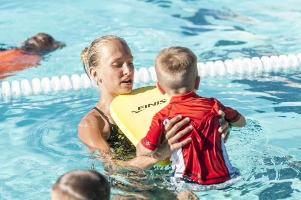 Swimmer Madeline Woznick's appreciation of coaches goes national