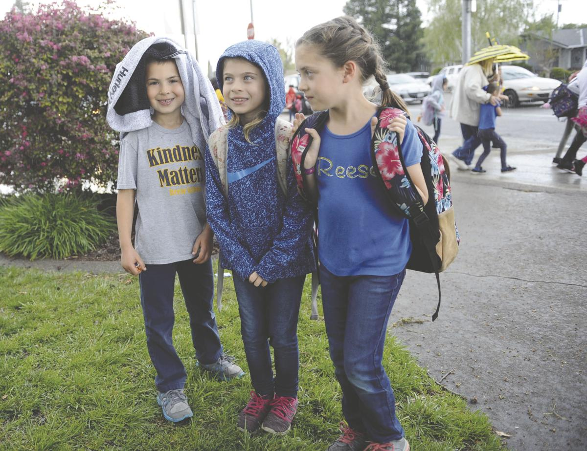 LUSD board votes to keep uniform policy at Reese Elementary