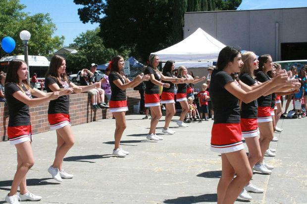Lodi High School cheerleaders help make Reading Roundup a success