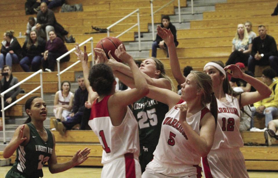 Girls basketball: Fast-flying Hawks rout Galt