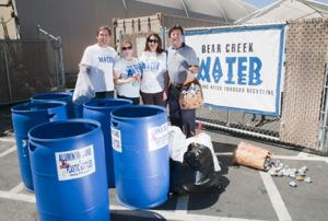 Bear Creek Community Church collects cans for children