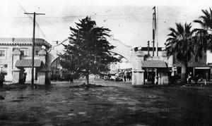 Team effort: Lodi set up community Christmas tree in 1915
