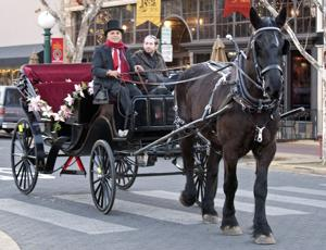 Carriage rides through Downtown Lodi a fun way to experience the holidays