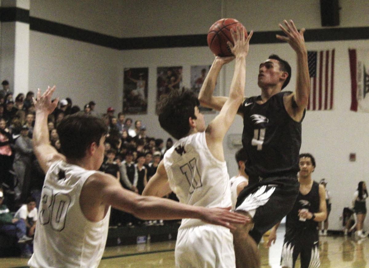 Boys basketball: Hawks claim fourth SVC crown