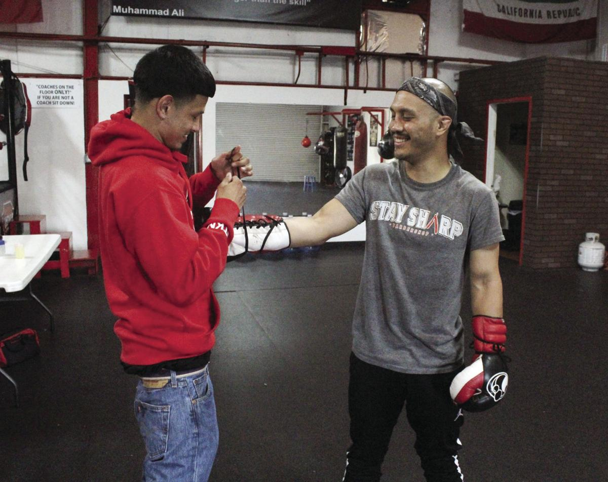 'Golden Bear': Tokay graduate on the rise in pro boxing world