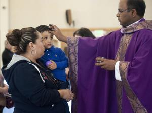 St. Anne's Catholic Church begins Lent with bilingual Mass